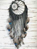 Ловец снов ручной работы черный с пером павлина