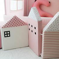 Бортик защита в детскую кроватку Домик розовый 120 см