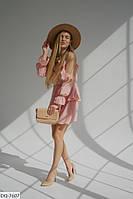 Женское нарядное платье декорировано рюшами и воланами с открытыми плечами батал