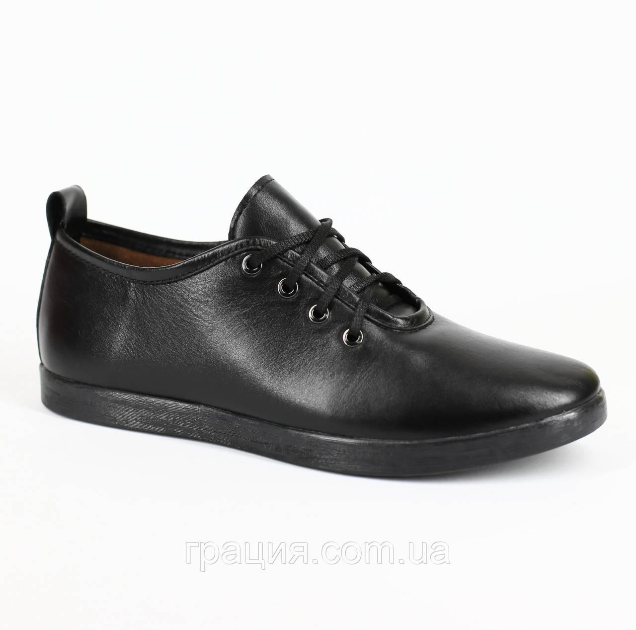 Шкіряні жіночі туфлі на шнурівці чорні