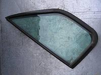 Глухое стекло правой боковой двери на Renault Master 2003-2010 (с уплотнительными резинками)
