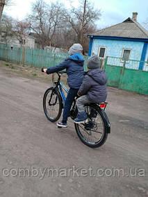 Фото від пані Марини із Гребінки, Полтавської обл. яка придбала велосипед для сина в інтернет-магазині Комбі-Маркет.