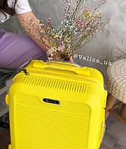 Малый пластиковый чемодан для ручной клади на 4-х колесах желтый  / Мала пластикова валіза ручна поклажа, фото 3