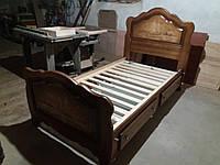 Ліжко  з натурального дерева .