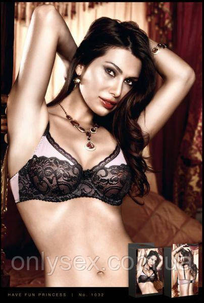 Бюстгалтер Pink-Black Underwire Bra With Lace, 34D
