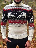 Мужской свитер с оленями белый с красным