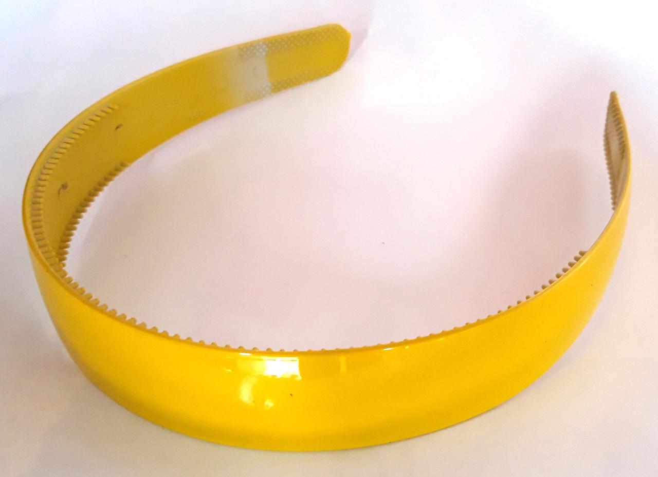 Обруч для волос широкий глянцевый 2,8 см желтый