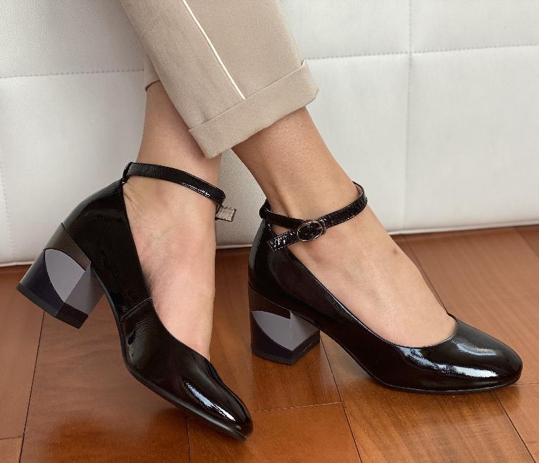 Туфлі жіночі INSHOES чорні