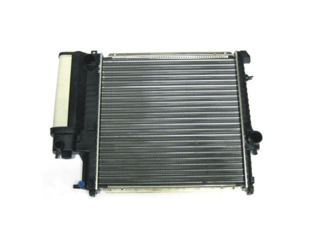 Радиатор основной BMW E30 E34 E36  б/у
