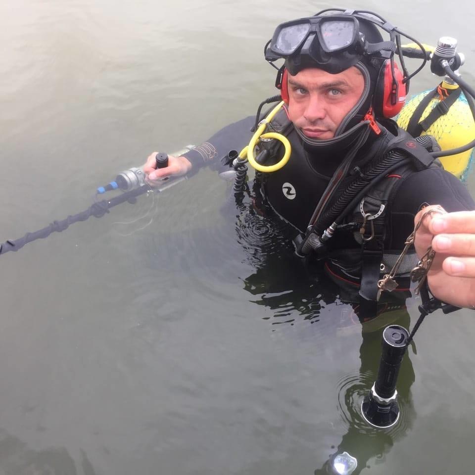Послуги Водолаза з металошукачем. Підводний пошук.