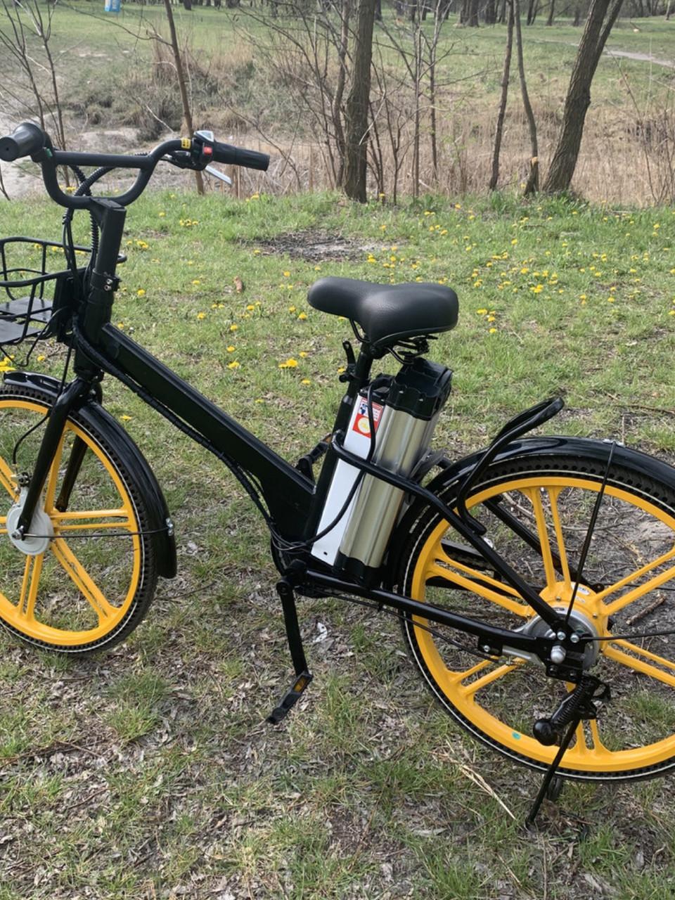 Электровелосипед с передней корзиной на литых дисках антипрокольные шины безкамерки с Европы