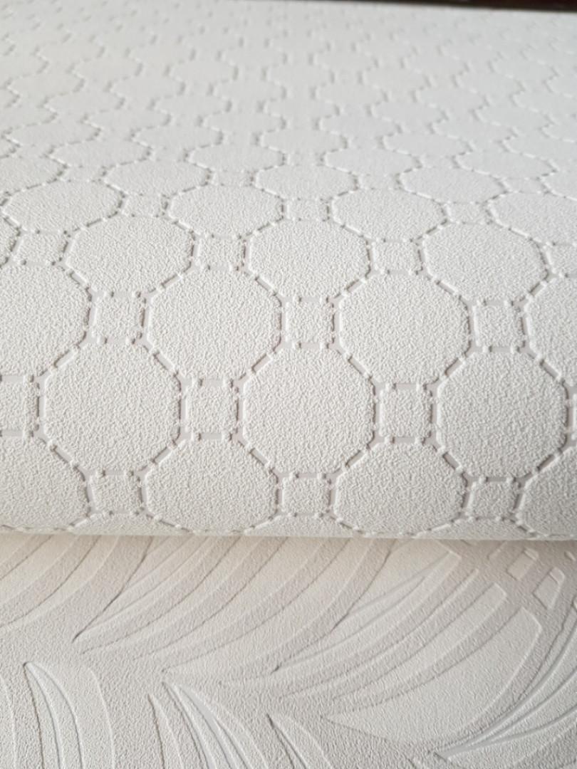Шпалери вінілові на флізелін BN International 219726 Finesse геометрія кола квадрати сріблом на молочному
