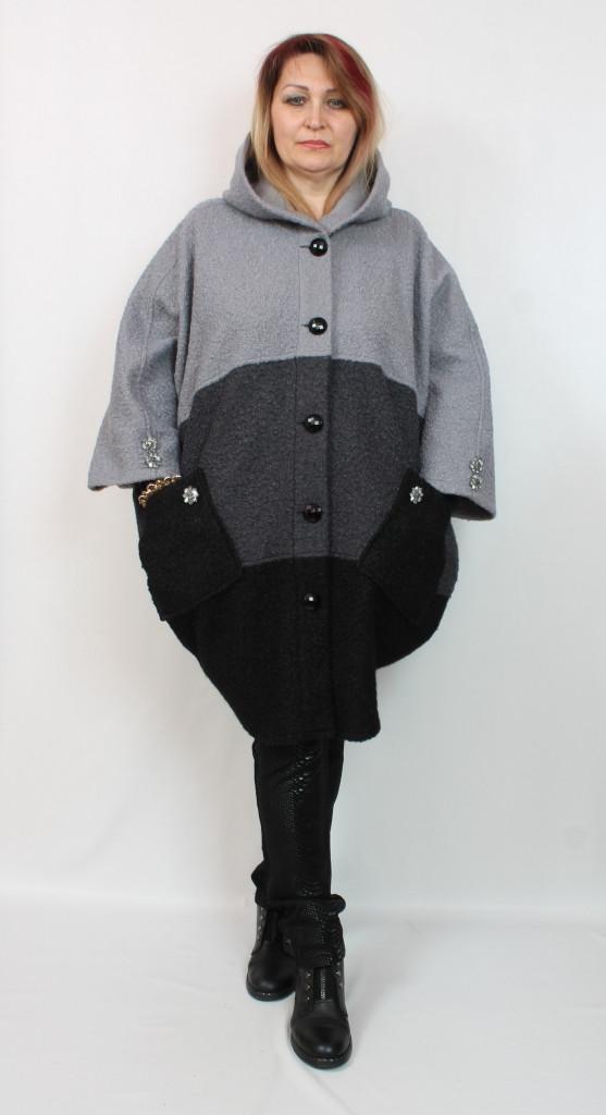 Турецкое трехцветное женское пальто деми больших размеров 58-70