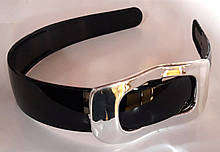 Обруч для волос широкий 2,5 см глянцевый с серебристой пряжкой, черный