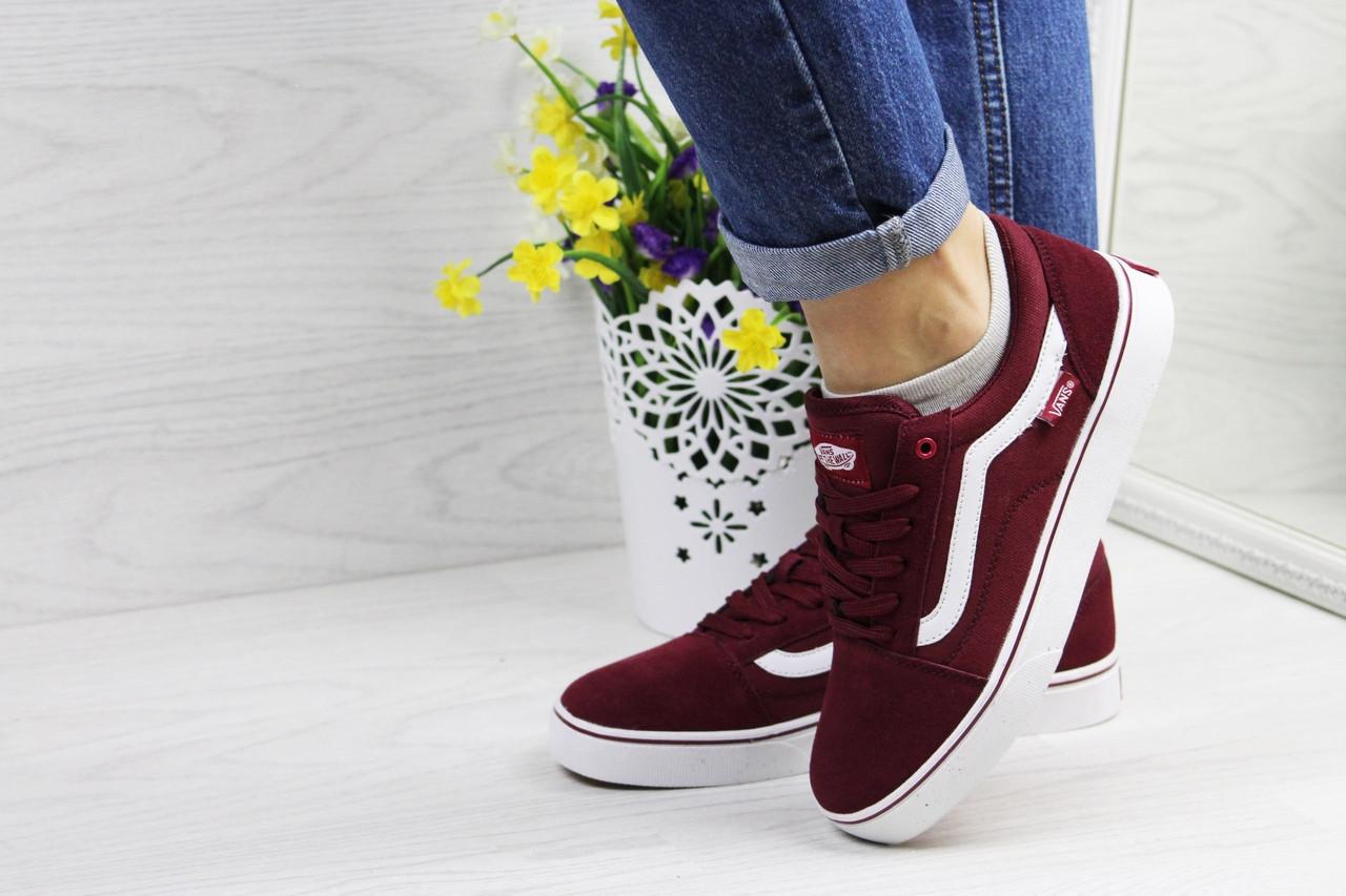 Жіночі кросівки Vans (бордові) 9267