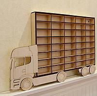Дерев'яна поличка для машинок. Дерев'яний гараж для машинок.