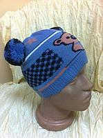 Одинаная вязаная шапочка для мальчика с ушками -помпонами цвет - голубой