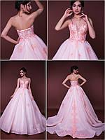 """Пышное свадебное платье со шлейфом пудрового цвета с расшитым кружевом  """"Victory"""""""