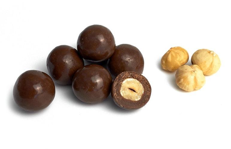 Орех фундук в молочном шоколаде
