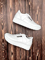 Белые кожаные женские кроссовки Reebok 36,38