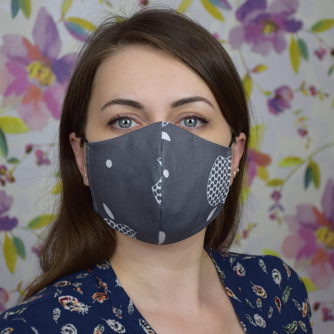 Серая маска защитная трехслойная многоразовая хлопковая