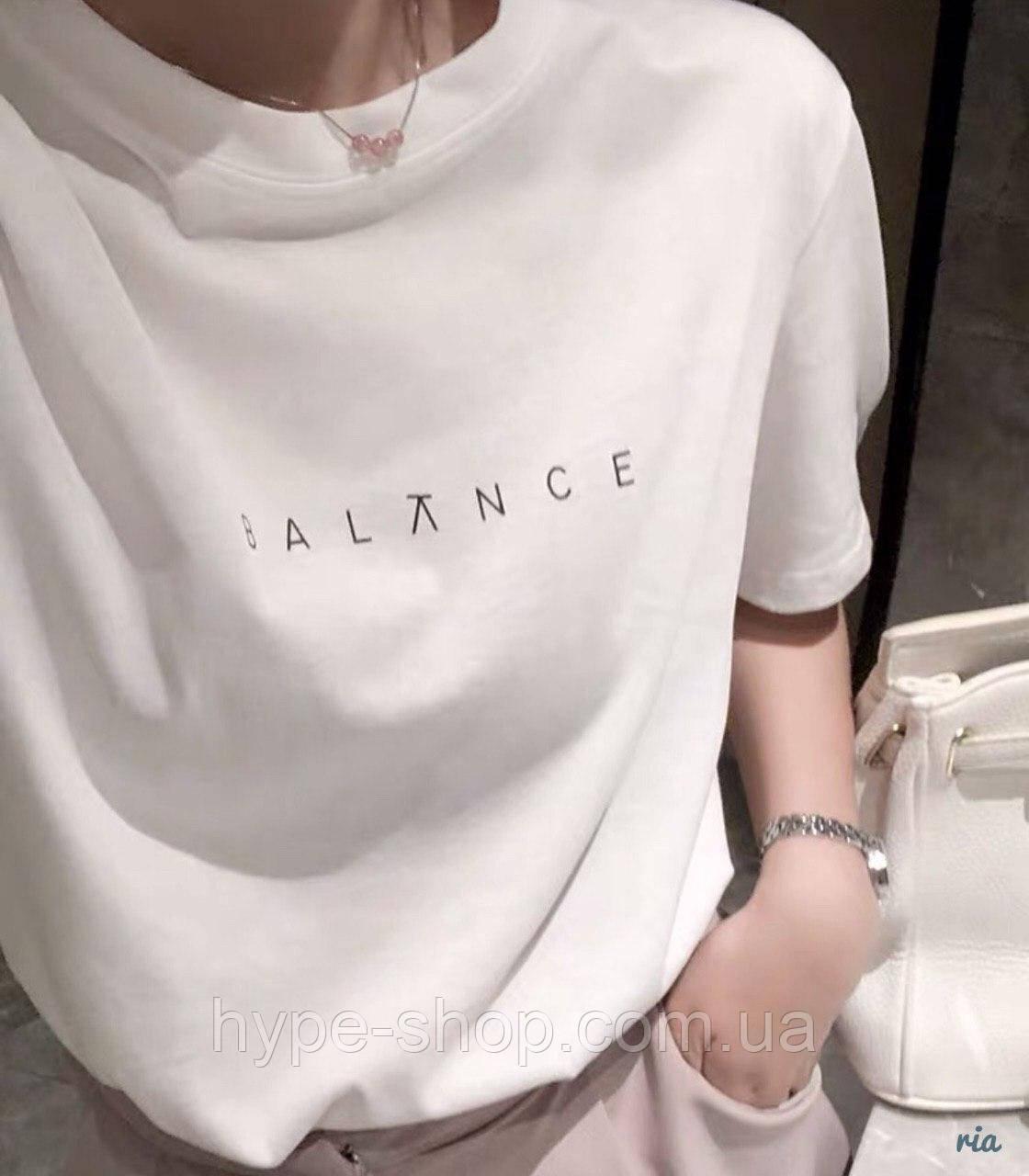 Женская футболка balance
