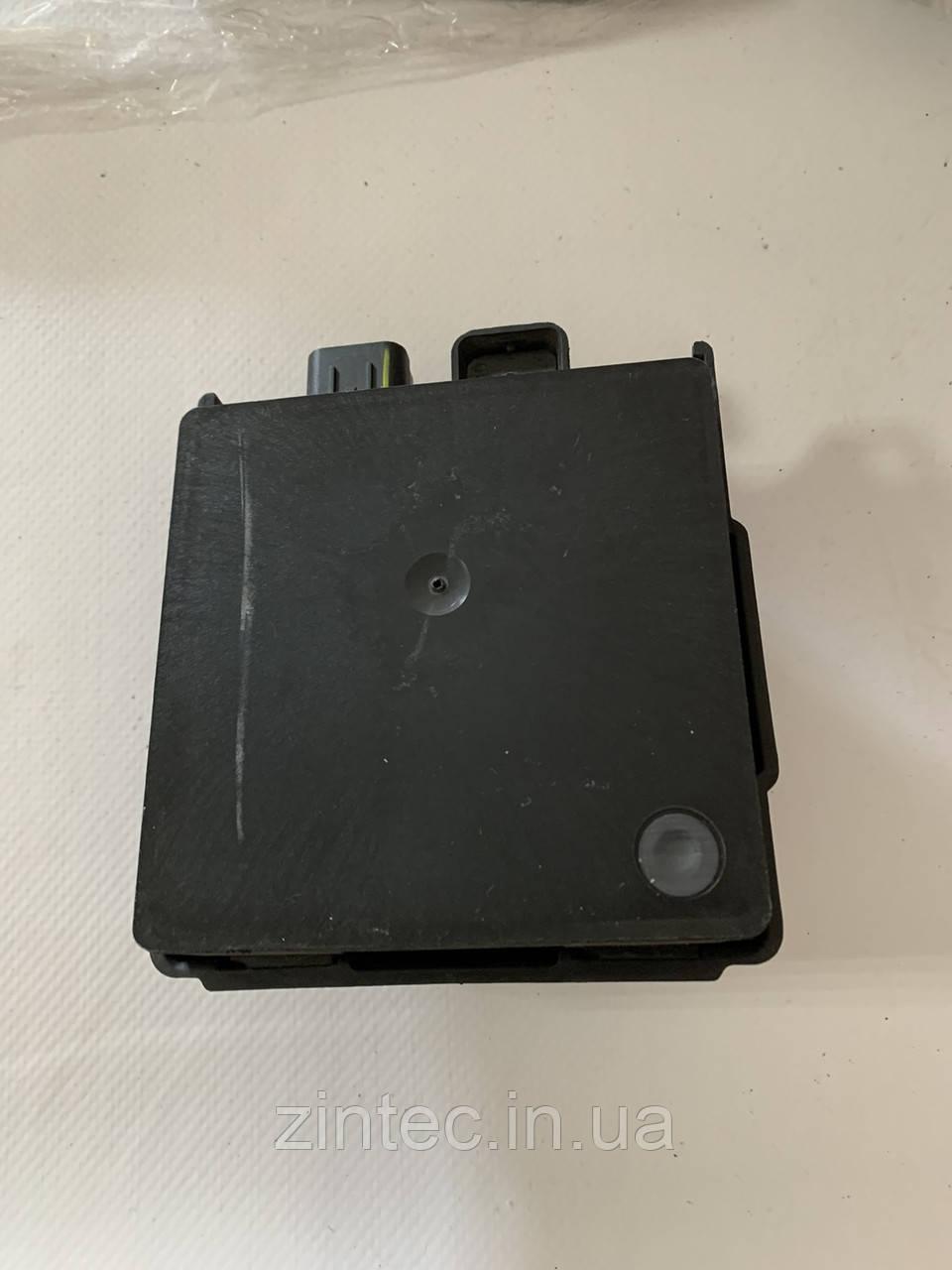 Блок управления мертвой зоной Ford Fusion DS7T-14D599-BD
