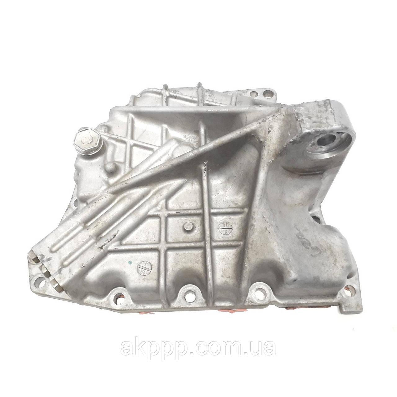 Железо акпп U760E Крышка задняя б/у