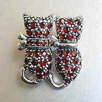 Брошь серебряная  гранаты Кошечки натуральные камни подарок