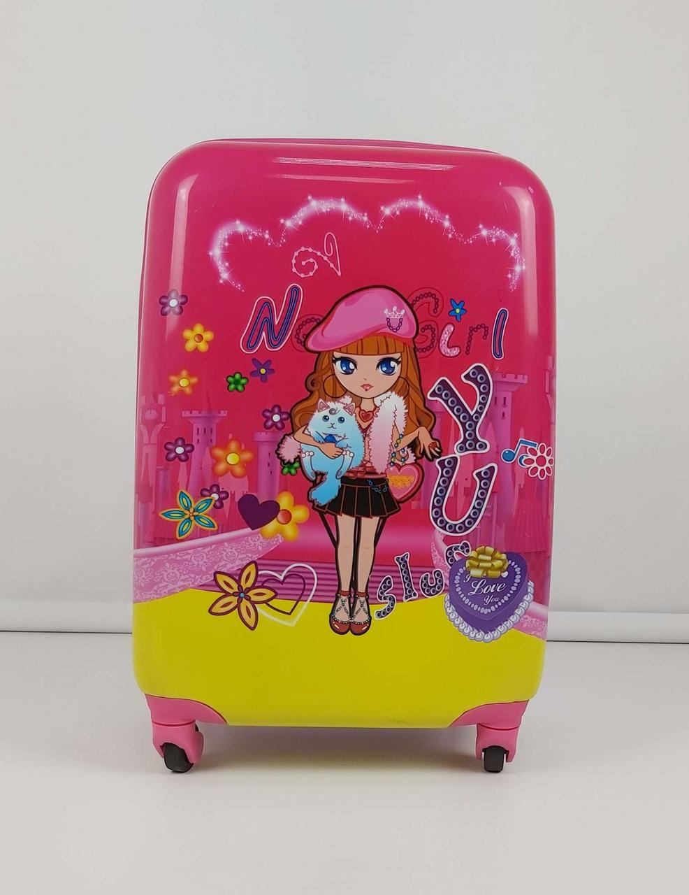Розовый чемодан на колесиках для девочек с ярким принтом