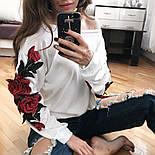 Женская трикотажная кофта со спущенным плечом и вышивкой на рукавах  vN7410, фото 2
