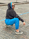 Жіночий брючний костюм зі штанами на манжетах і кофтою худі з блискітками vN7715, фото 4