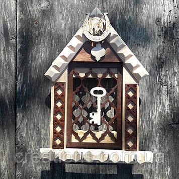 Ключниця настінна з дерева на 4 ключа