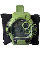Мужские спортивные часы Q&Q M144J013Y Зеленые