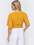 Желтая укороченная блузка с V-образным вырезом горловины ЛЕТО, фото 2