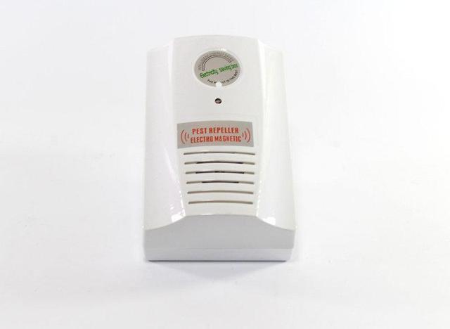 Прибор для  отпугивания  крыс, мышей и насекомых 2 в 1 Power saver Pest reppeler