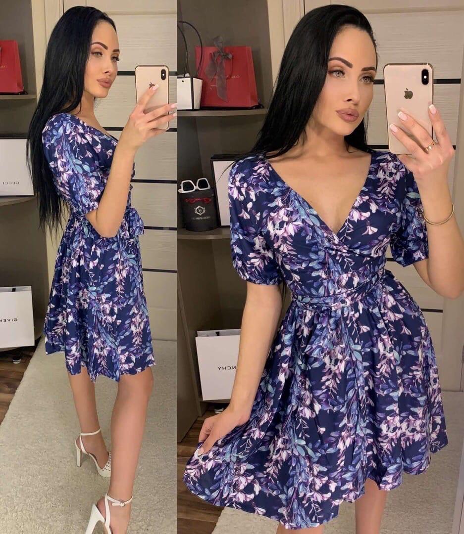 Платье с коротким рукавом в цветочный принт с глубокой зоной декольте, 2цвета, р-р. 42-44 Код 533Т