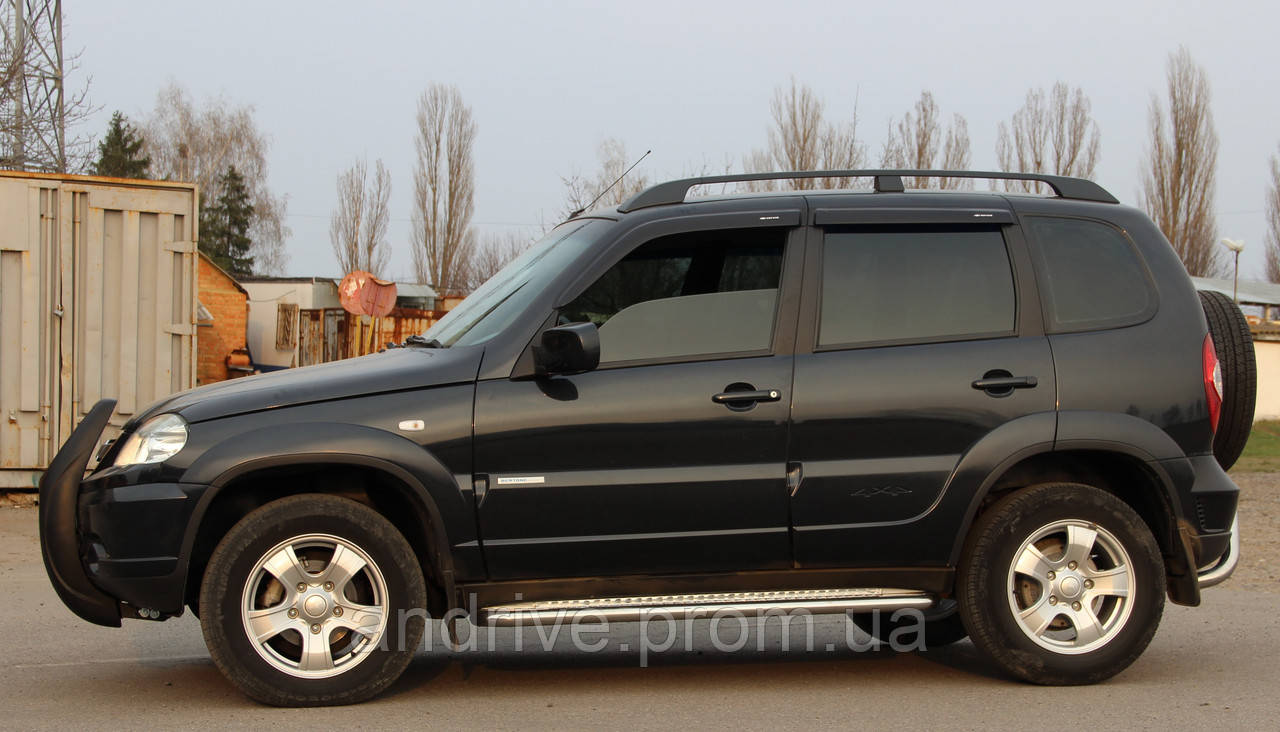 Пороги боковые (подножки-площадка) Chevrolet Niva 2009+ (Ø60)
