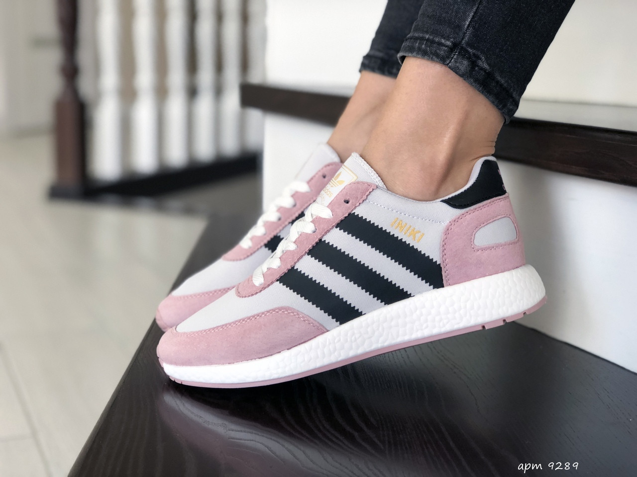 Женские (подростковые) кроссовки Adidas Iniki,белые с розовым