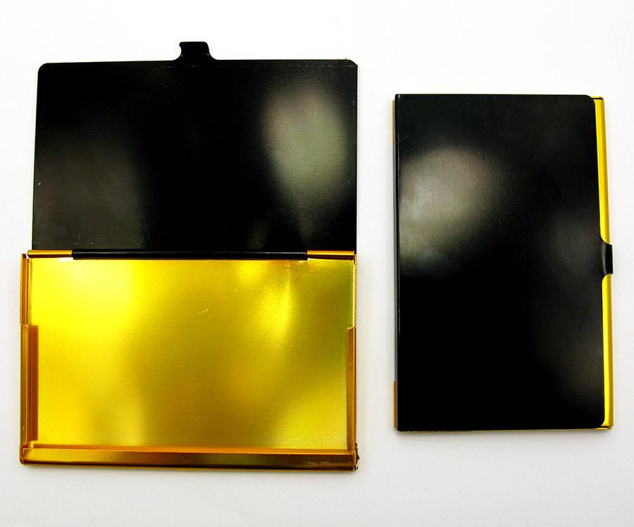 Визитница черно-золотая металл