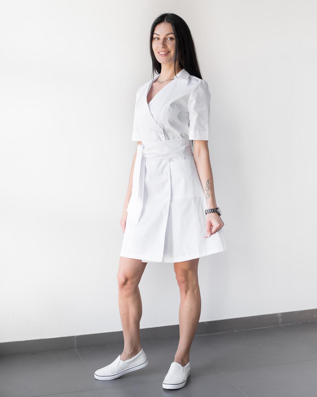Медицинский женский халат Токио белый на пуговицах