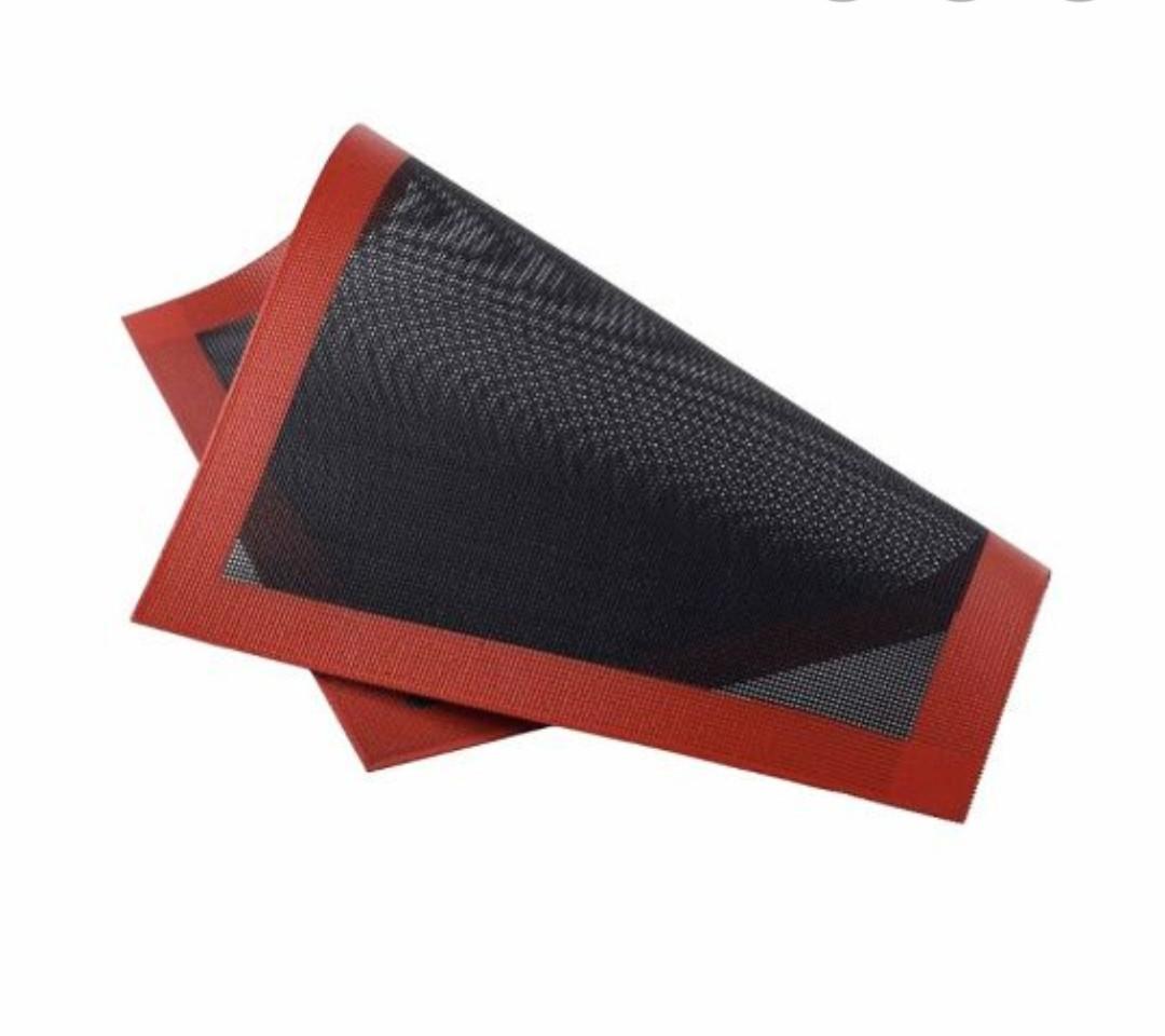 Перфорированный силиконовый коврик 30×40 см
