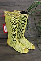 Удобние летние сапоги с сеточкой желтого отенка