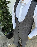 Серый мужской костюм smm