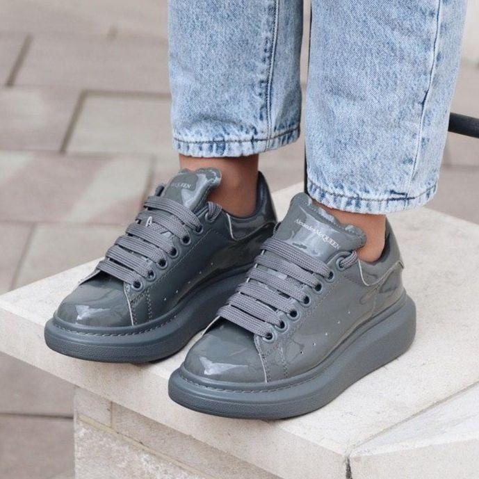 Женские кроссовки в стиле Alexander McQueen Grey Patent (люкс)