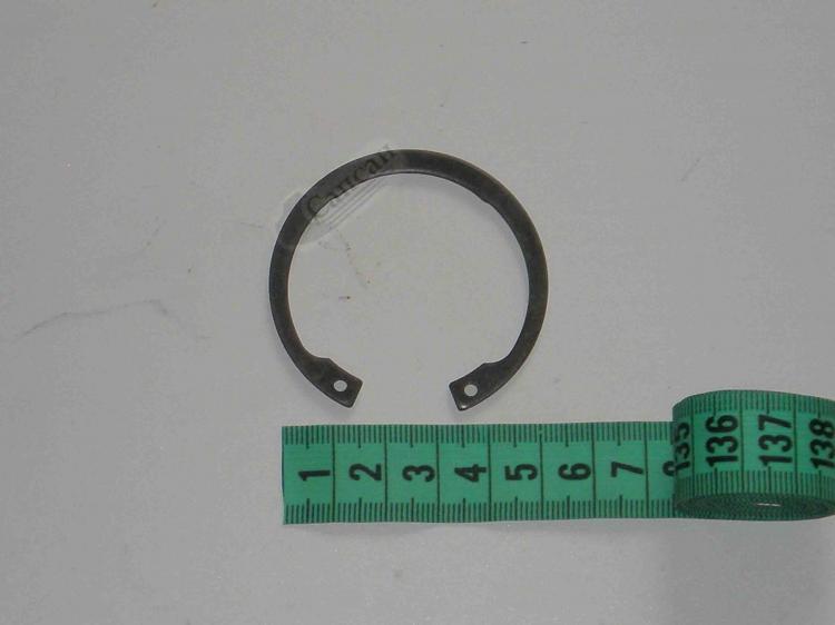 Кольцо стопорное  крестовины  карданного  вала. 53205-2205049
