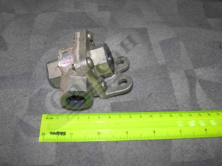 Клапан двух магистральный (ПАЗ). 100-3562010