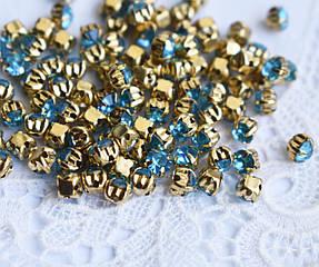 Стразы пришивные 4 мм голубые, стекло,10 шт