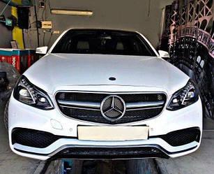 Решетка радиатора Mercedes W212 Avantgarde рестайл стиль AMG E63 (серебро)