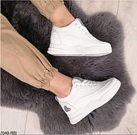 Женские белые кроссовки на платформесникерсыкроссовки с сердечком